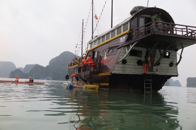 Cruise Ha long Bay